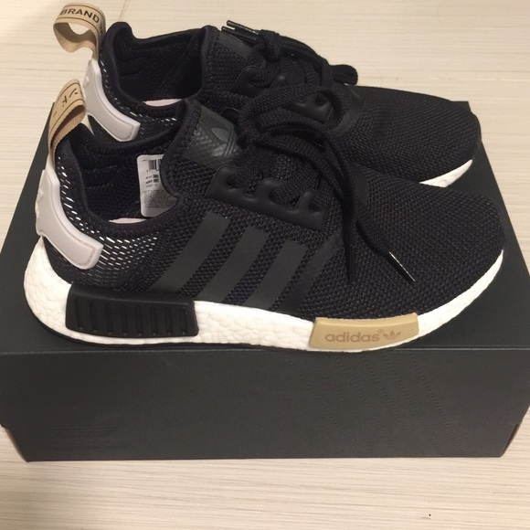 Adidas Nmd R1 Womens Black And Pink Off 55 Willsfuneralservice Com